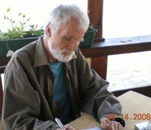 Nicolae Turtureanu, poet și editorialist, într-un moment de inspirație