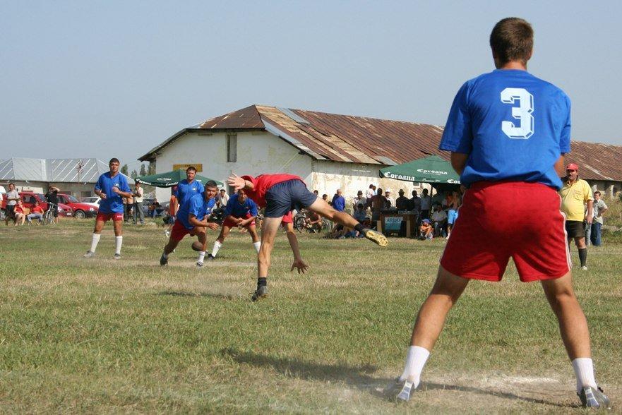 viteza-indeminare-reflexe-barbatie-inteligenta-agilitate-strategie-forta-rezistenta-un-sport-complex-si-spectaculos